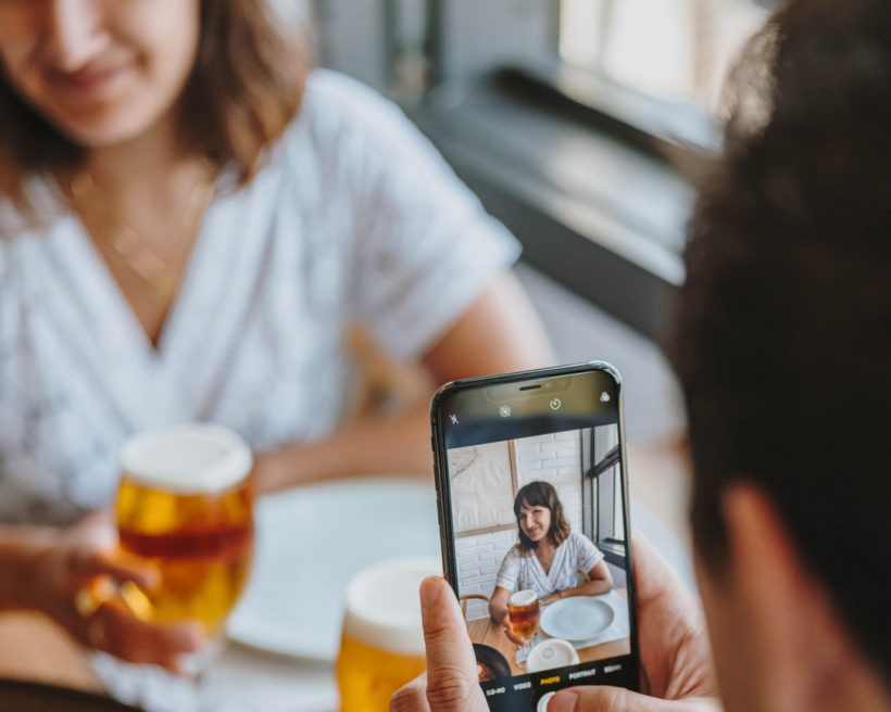 Generate compelling restaurant social media